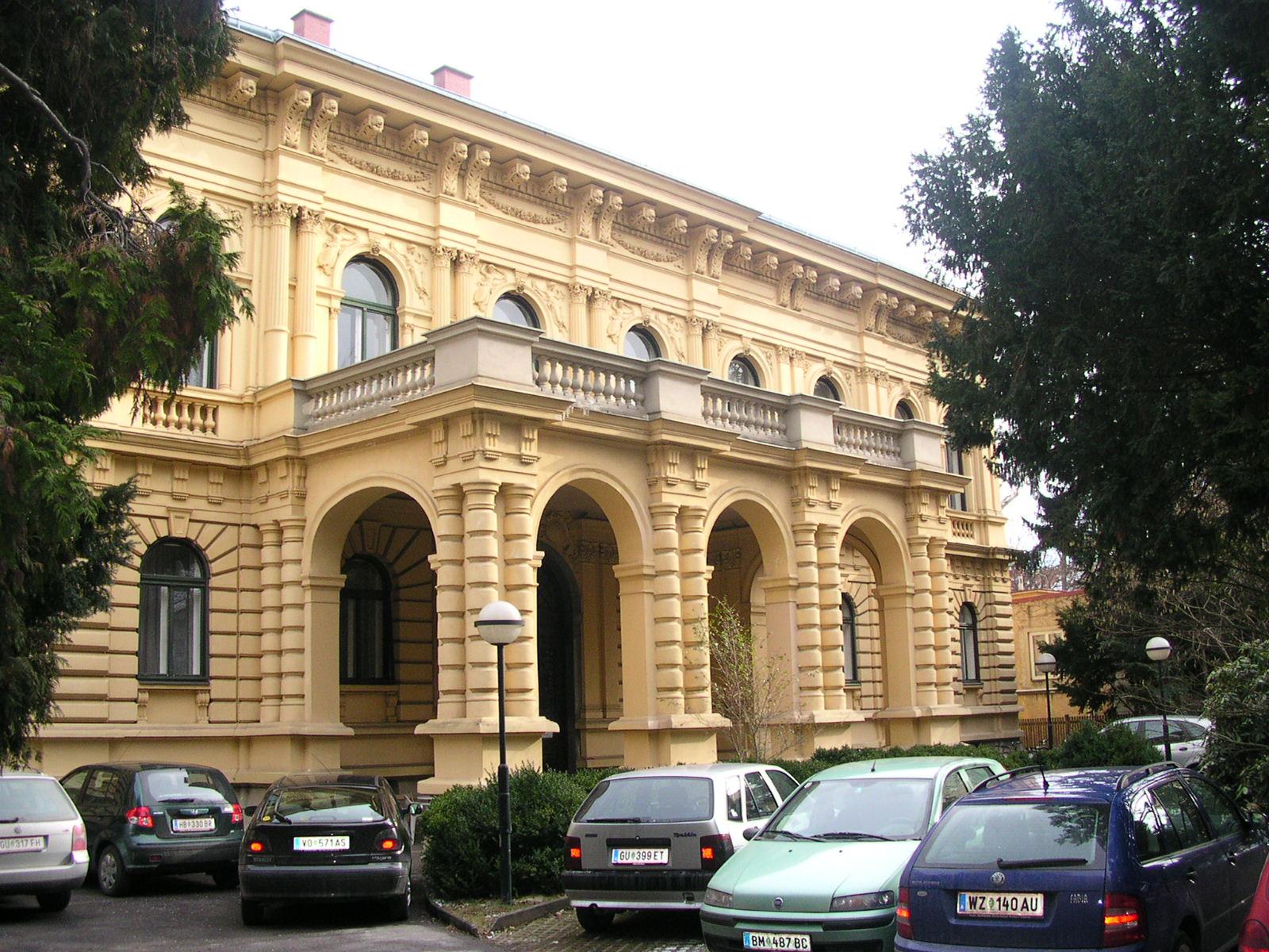 Palais Apfaltreren Graz